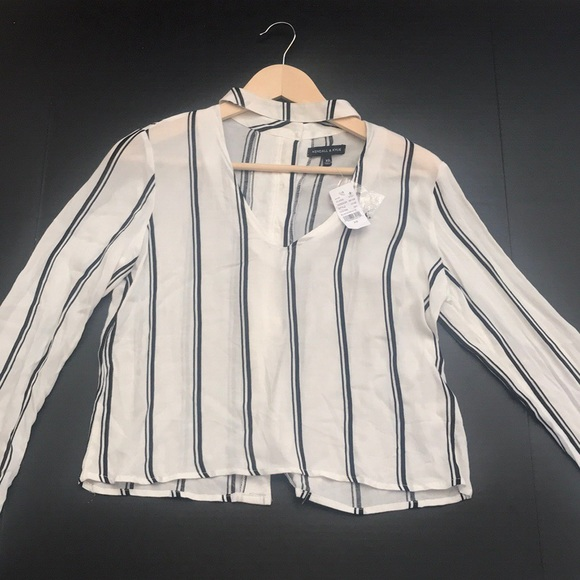 Kendall & Kylie Tops - NWT Kendall & Kylie Crop Striped Cut Out Top